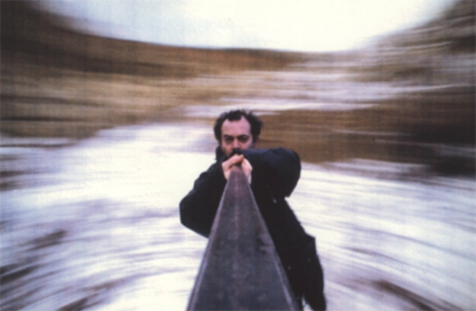 Tony Hill, Holder the Viewer 16mm, 1 min, 1993. Image courtesy and copyright the artist