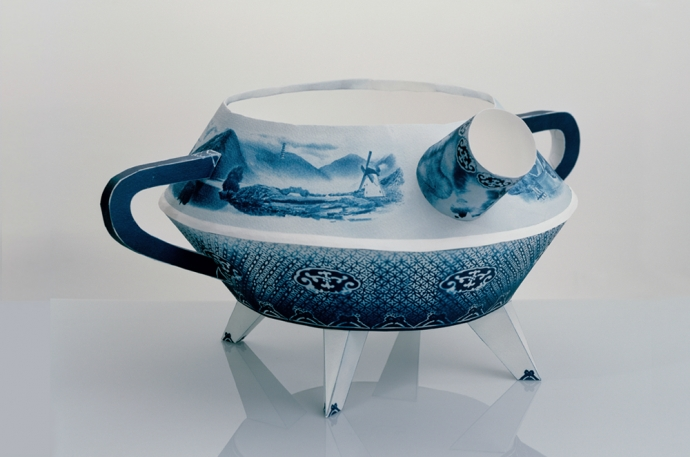 Fan Chon Hoo, Chamber Pot (2010). Image copyright and courtesy the artist